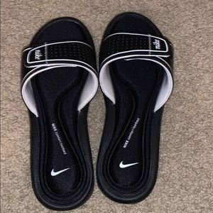 Nike Slides Comfort Footbed